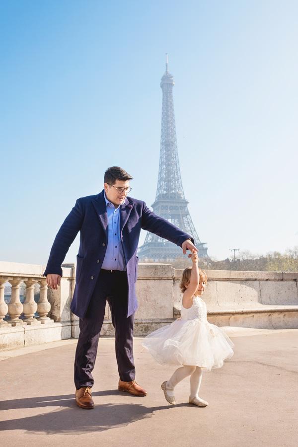 Paris-for-Two-Christian-Perona-engamement-proposal-she-said-yes-photoshoot-romantic-trip-Bir-Hakeim-bridge-Eiffel-tower-riverside-Seine-family-4.jpg