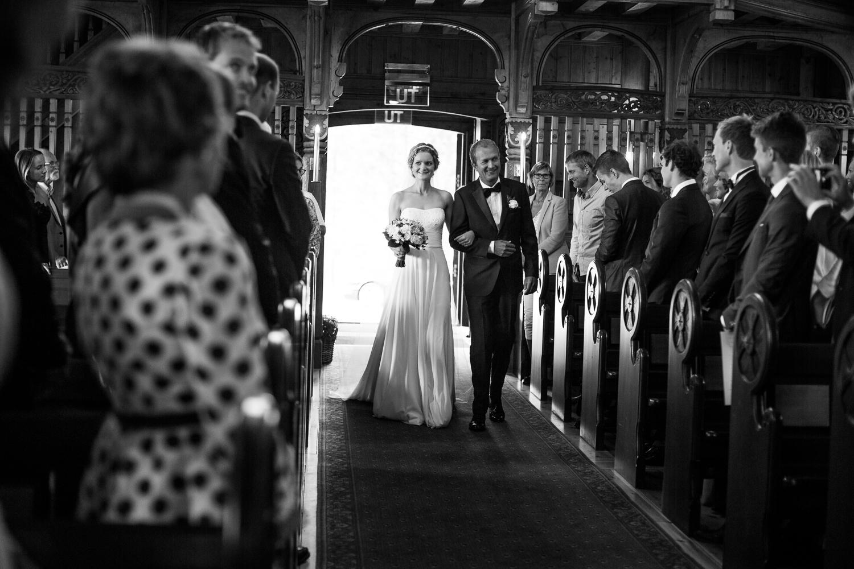 290815_fausko_holmenkollenkapell_øvresetertjern_lysebu_nina&kristian_bryllup.jpg