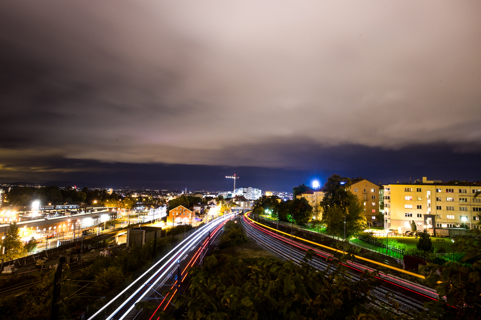 061015_fausko_oslo_gamlebyen_inkommendetog_e6_kværnerbyen_cityscape.jpg
