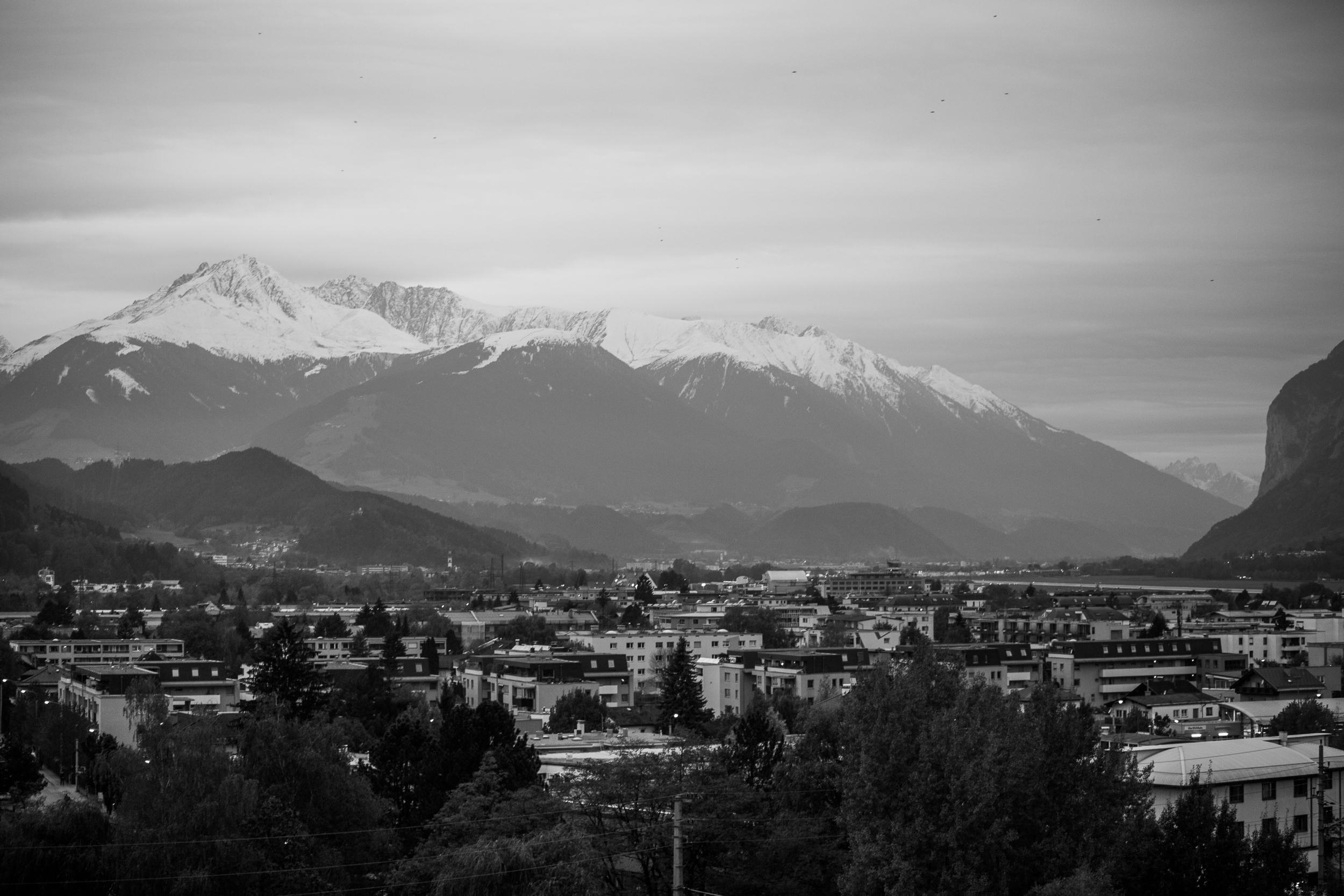221015_fausko_innsbruck_frabalkongen_fjelllandskap_-2.jpg