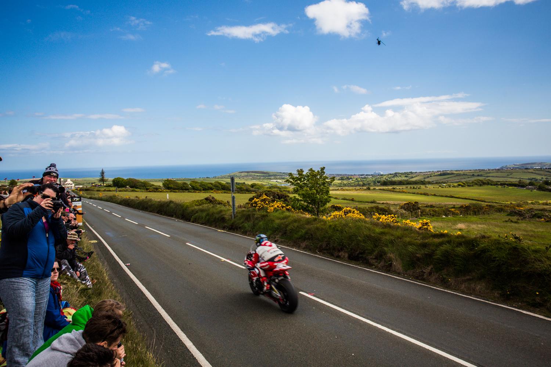 060715_fausko_isleofman_cregnybaa_tt_superbike_race_porterin_cregneash_landscape-5.jpg