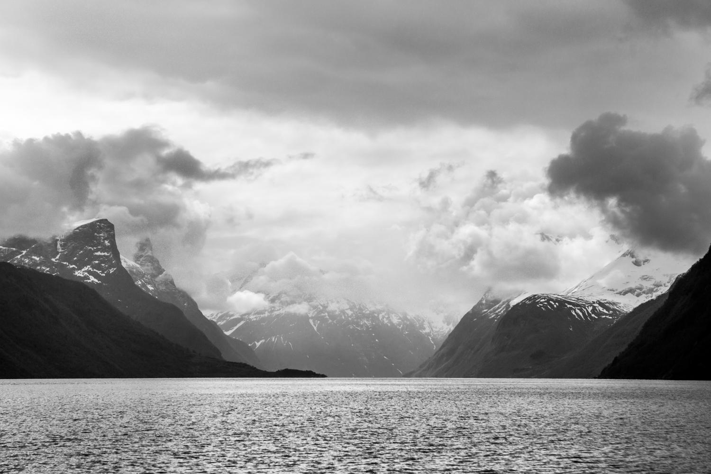 130516_fausko_lofotentravels_fjord_sæbu_alesund_landskap_dokumentar.jpg