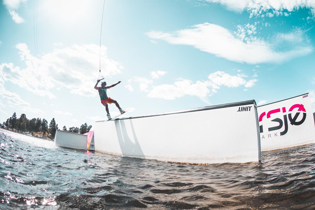 080718_fausko_norsjø_kabelpark_sommer_wakeboard_larstheodorsen_action.jpg
