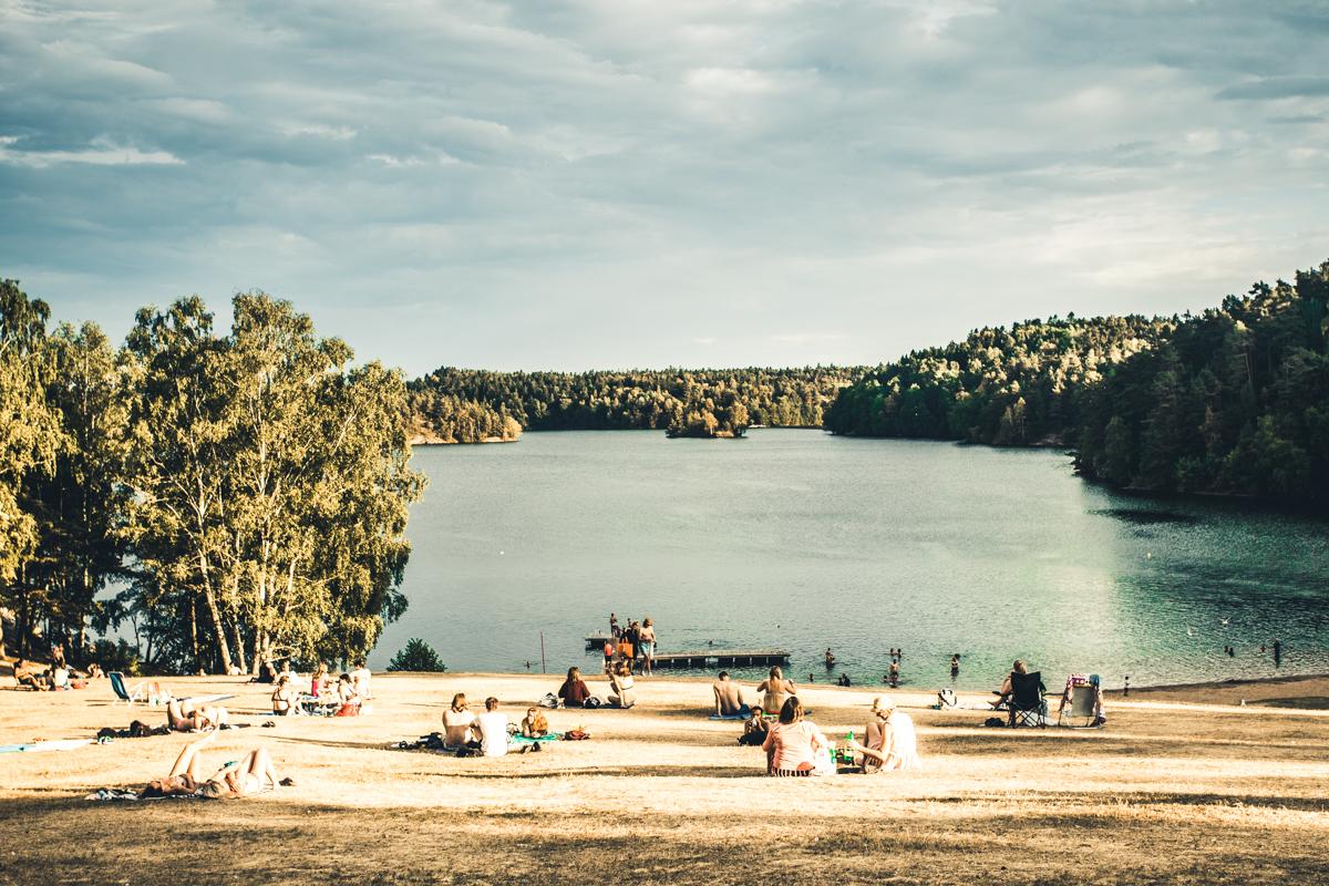 120718_fausko_gøteborg_sommer_badeplass_landskap_dokumentar.jpg
