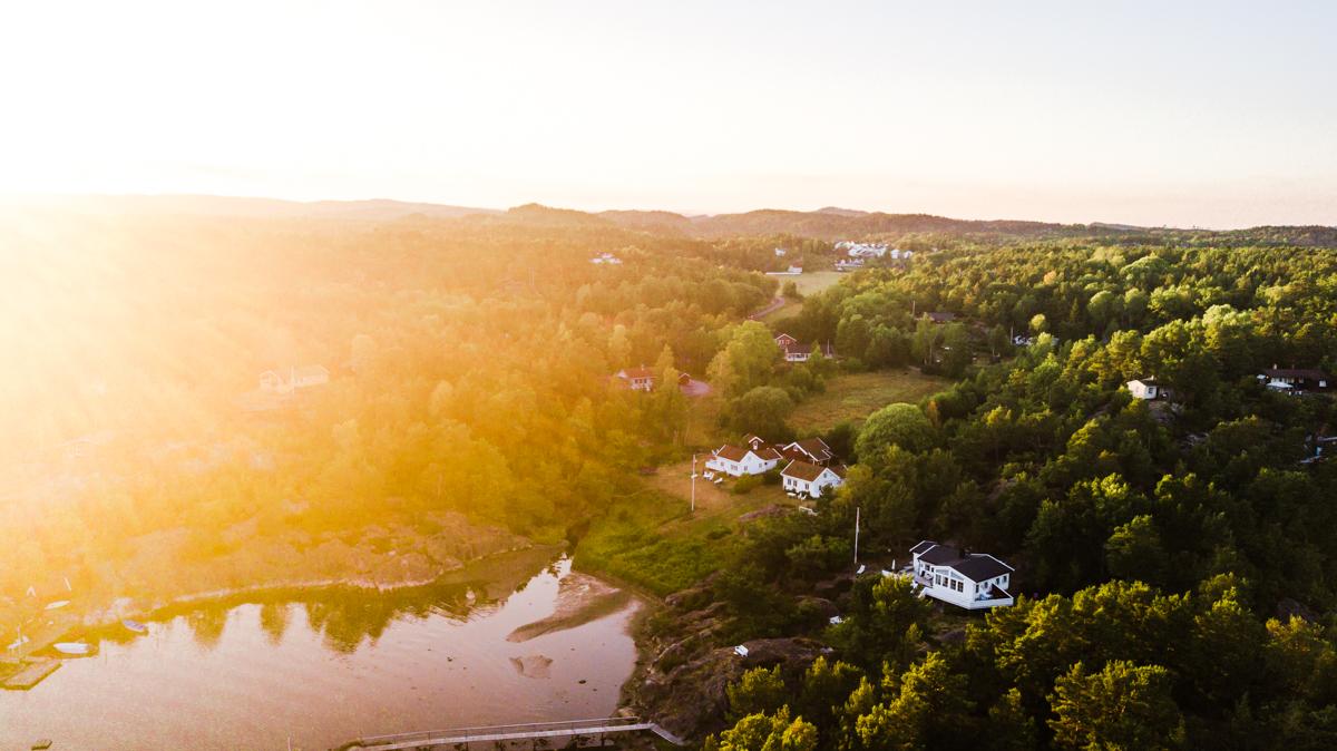 260718_fausko_ruhaven_grimstad_sommer_drone_landskap.jpg