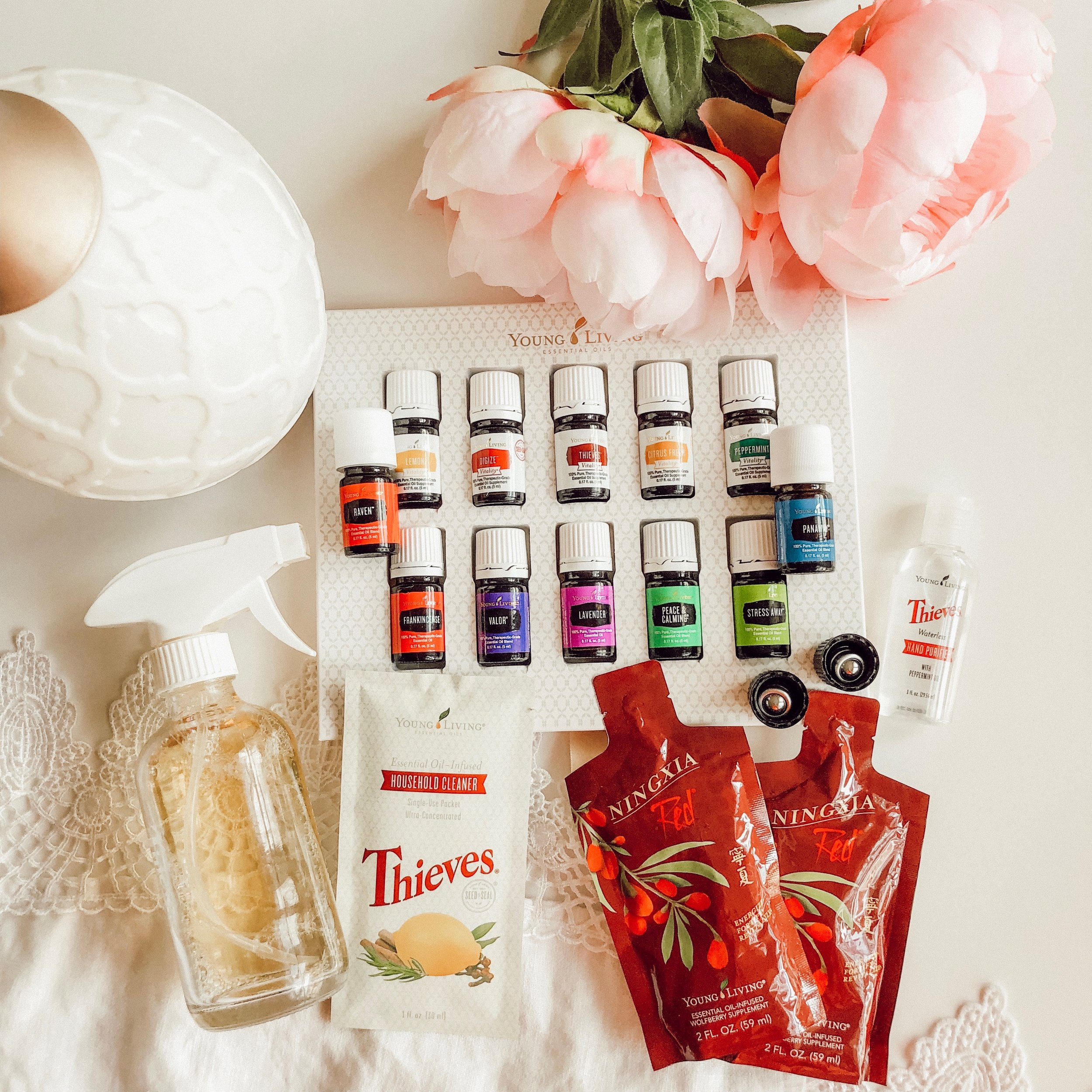 Receive $25 off! - This beautiful kit is $165, but I'm offering you $25 back when you join! It is perfect for getting started! When you join, I'll add you to our exclusive community online where you'll receive support, education, and so much more! I'll also send you happy mail with a beautiful guide on all things natural wellness and essential oils, the safety, how-to's, recipes for diffusing and wellness, and so much more!