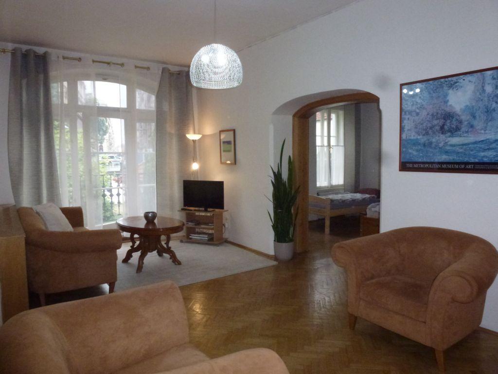 P1240667 living room.jpg