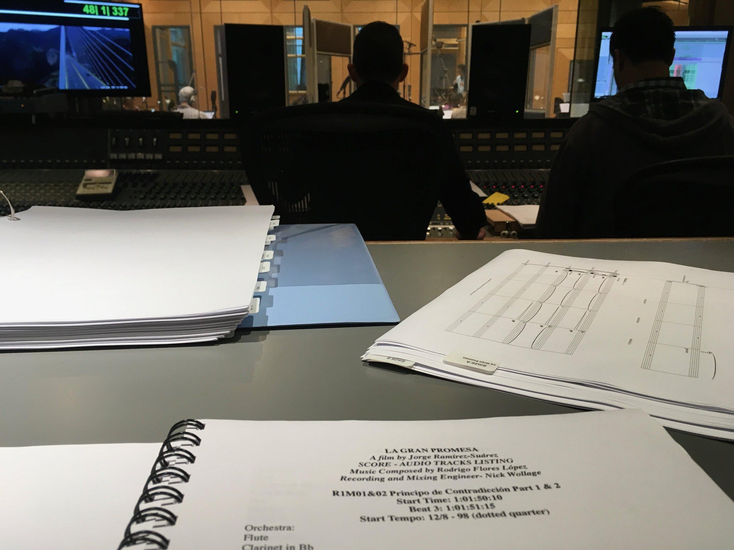 En la sesión de producción del score de la película La Gran Promesa (Air Studios, Londres, Reino Unido)
