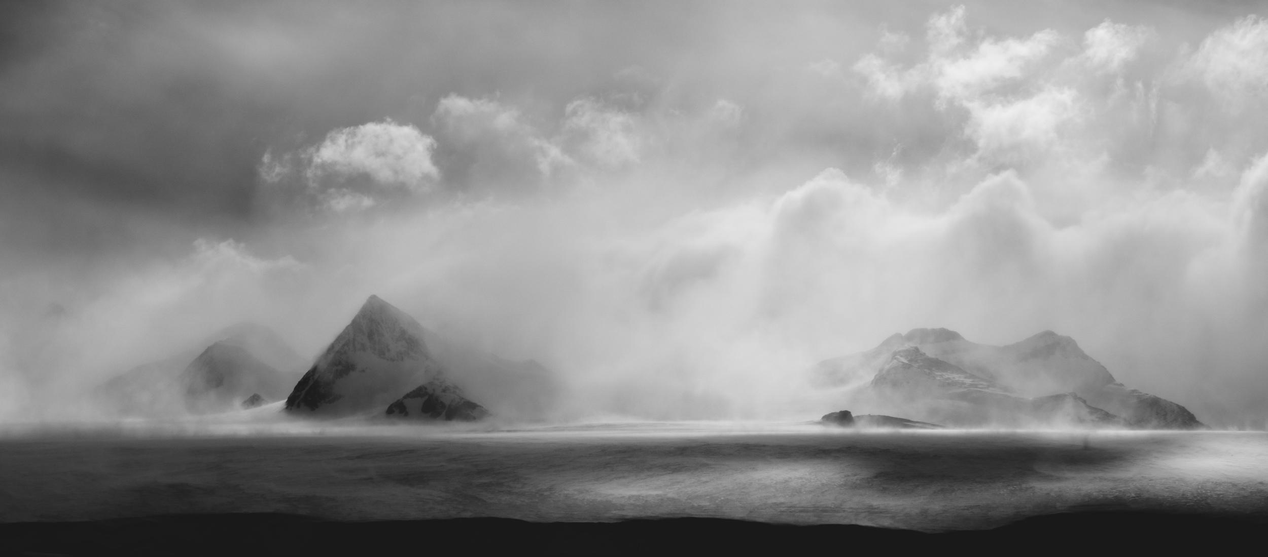 aqm-antarctica-noir-03.jpg