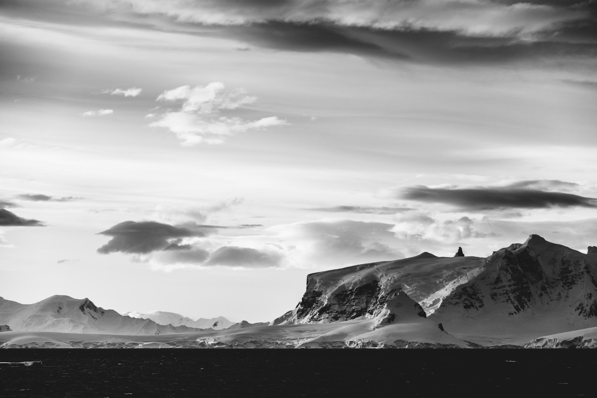 aqm-antartctica-noir-10.jpg