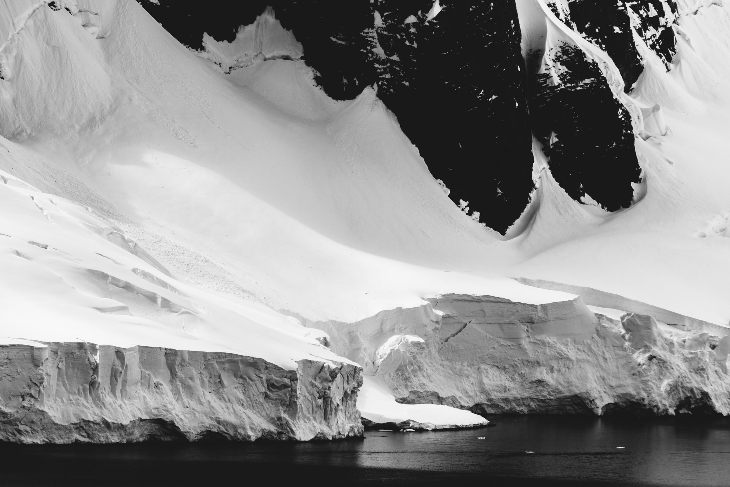 aqm-antarctica-noir-18.jpg