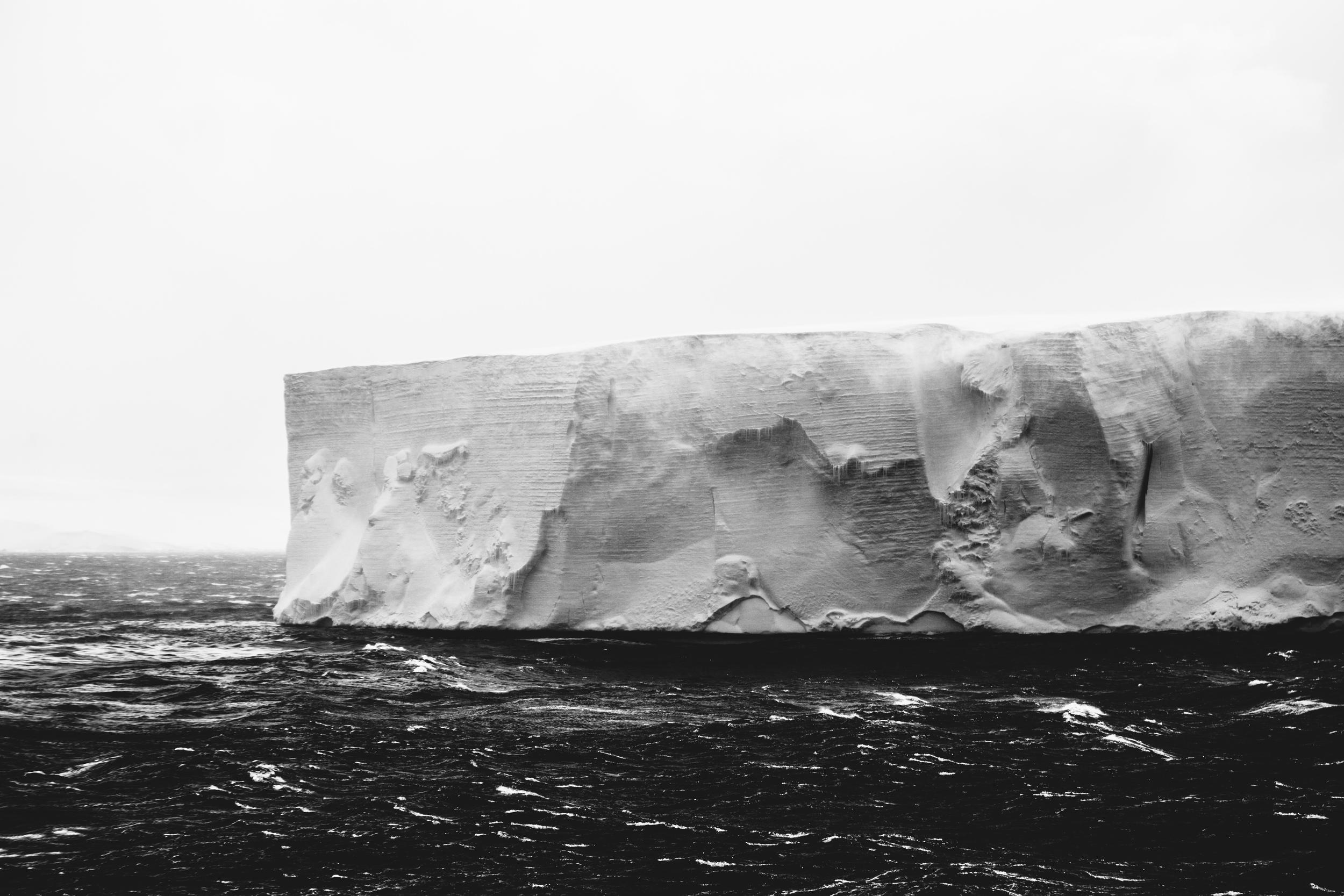 aqm-antarctica-noir-22.jpg