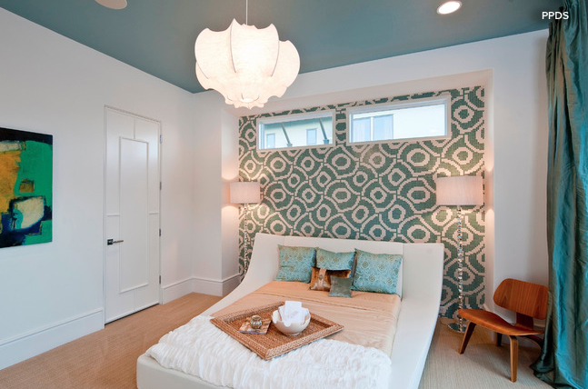 Painted ceiling in the bedroom