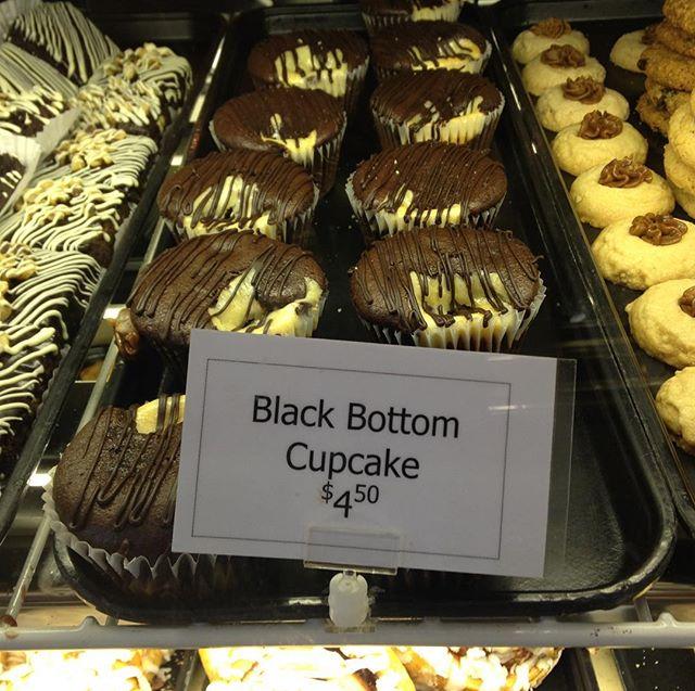 My mom Lynne makes the best Black Bottom cupcakes and Linn's is pretty delicious as well! @linnsrestaurant #linnsrestaurant #cambria #love