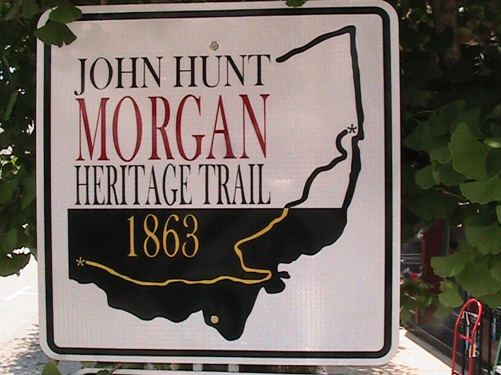Morgan_Trail_Directional_Marker[1].JPG