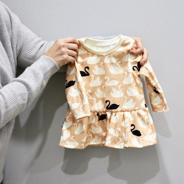 The cutest peplum top for a mini fashionista 😍 #hugmesewkids . . . . . #minifashionista #baby #springbaby #ohheymama #momswithcameras #liveauthentic #igbabies #joyfulmamas #beyondwanderlust #lovehandmade #supportsmallbusiness #shopsmall #shophandmade #motherhoodrising