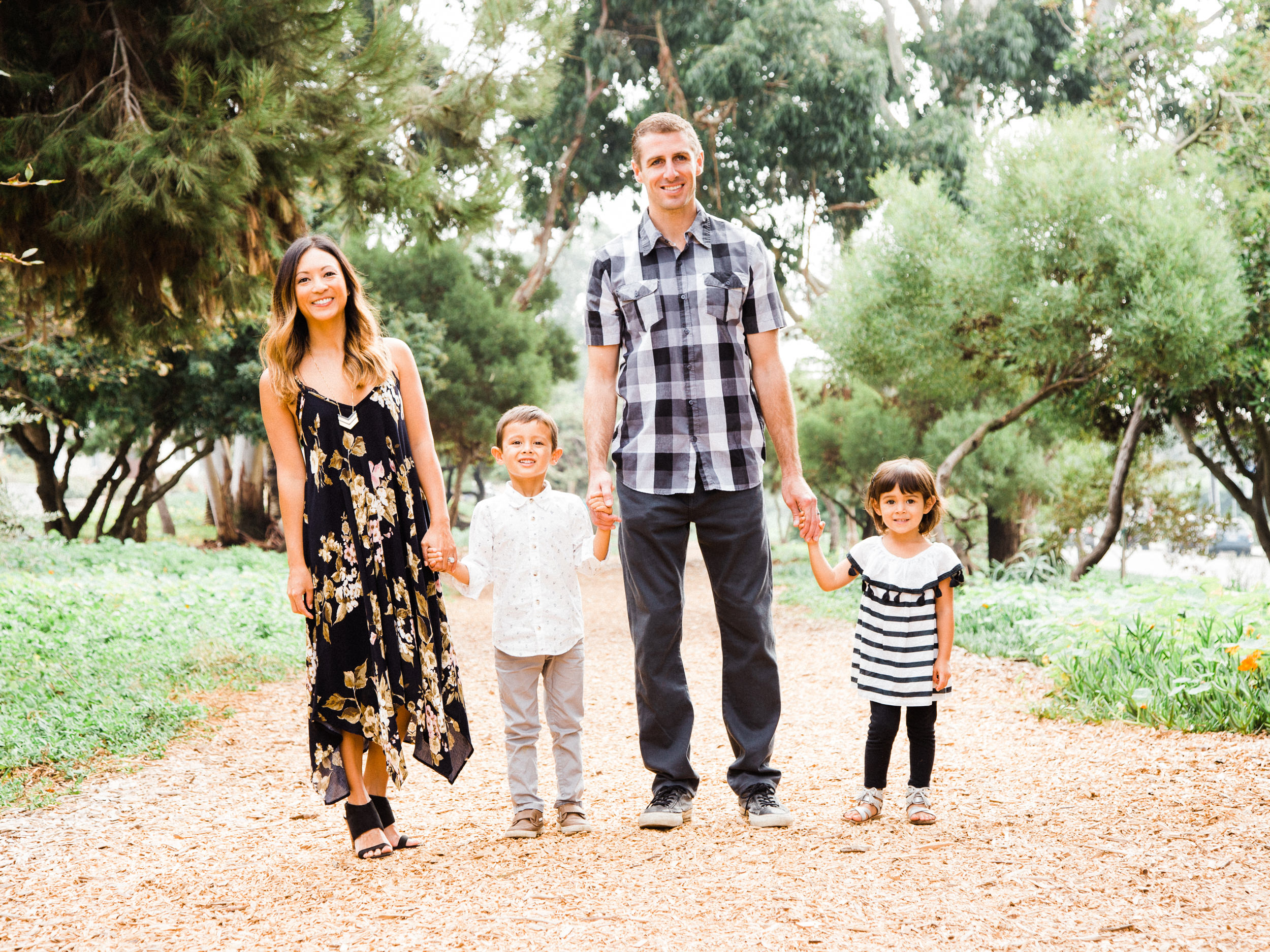 Valley Park Hermosa Beach Valley Park Hermosa Beach Family Portrait Photographs and Valley Park Hermosa Beach Family Portrait Photography from Fine Art Family Portrait Photographer, engagement photographer and Wedding Photographer Daniel Doty Photography.
