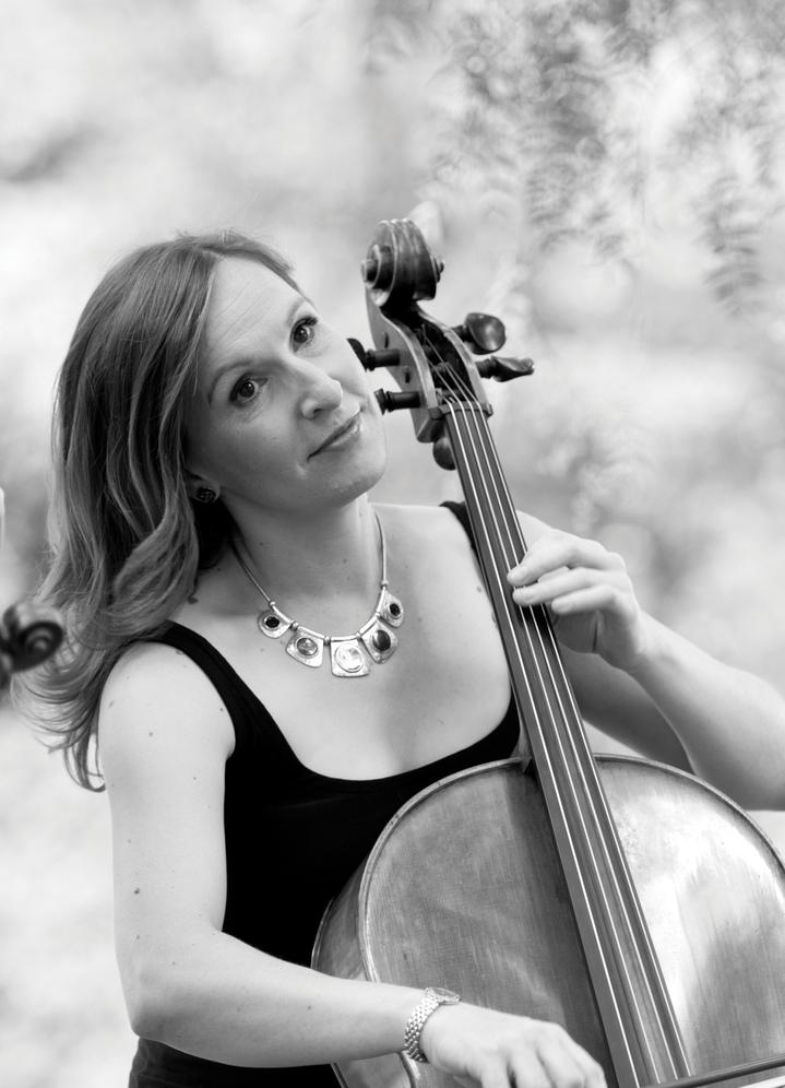 Zoe Knighton, cello