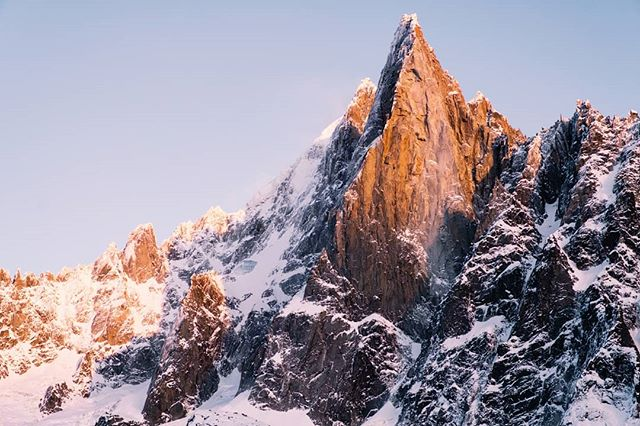 I know where I'm coming back too with some climbing buddies and a handful of determination! #chamonixclimbing #chamonix #france #mountains #sunsetsovermountains #chamonixfrance