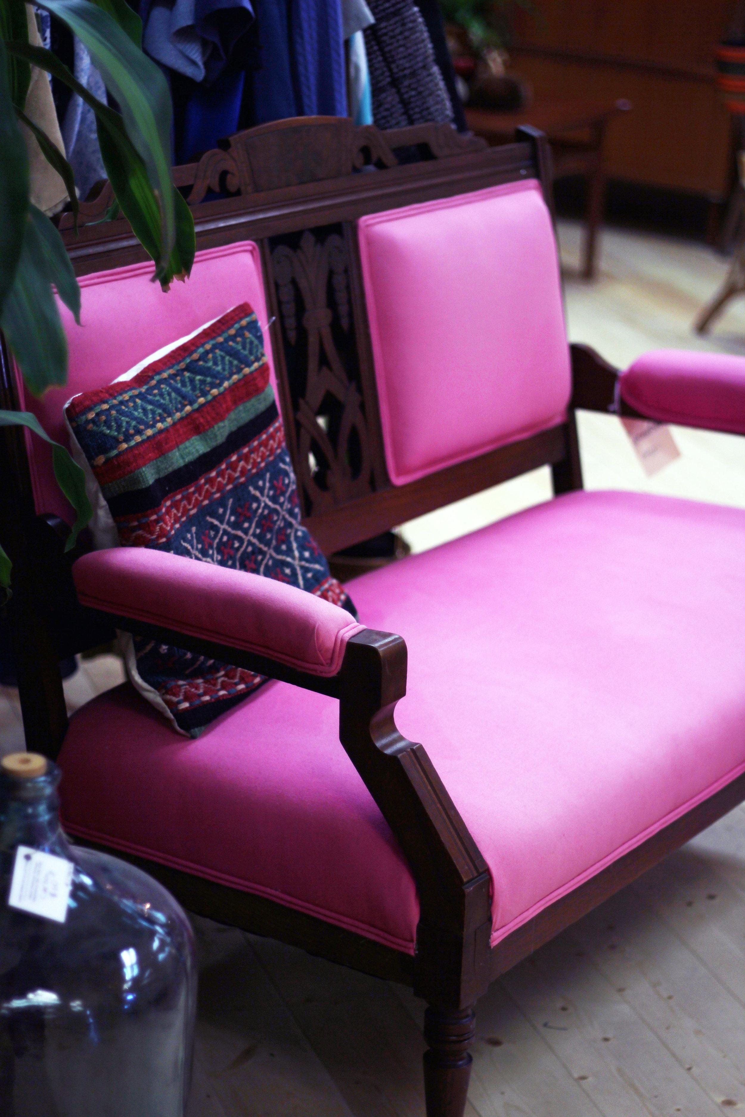 vintage pink seating, Abbotsford