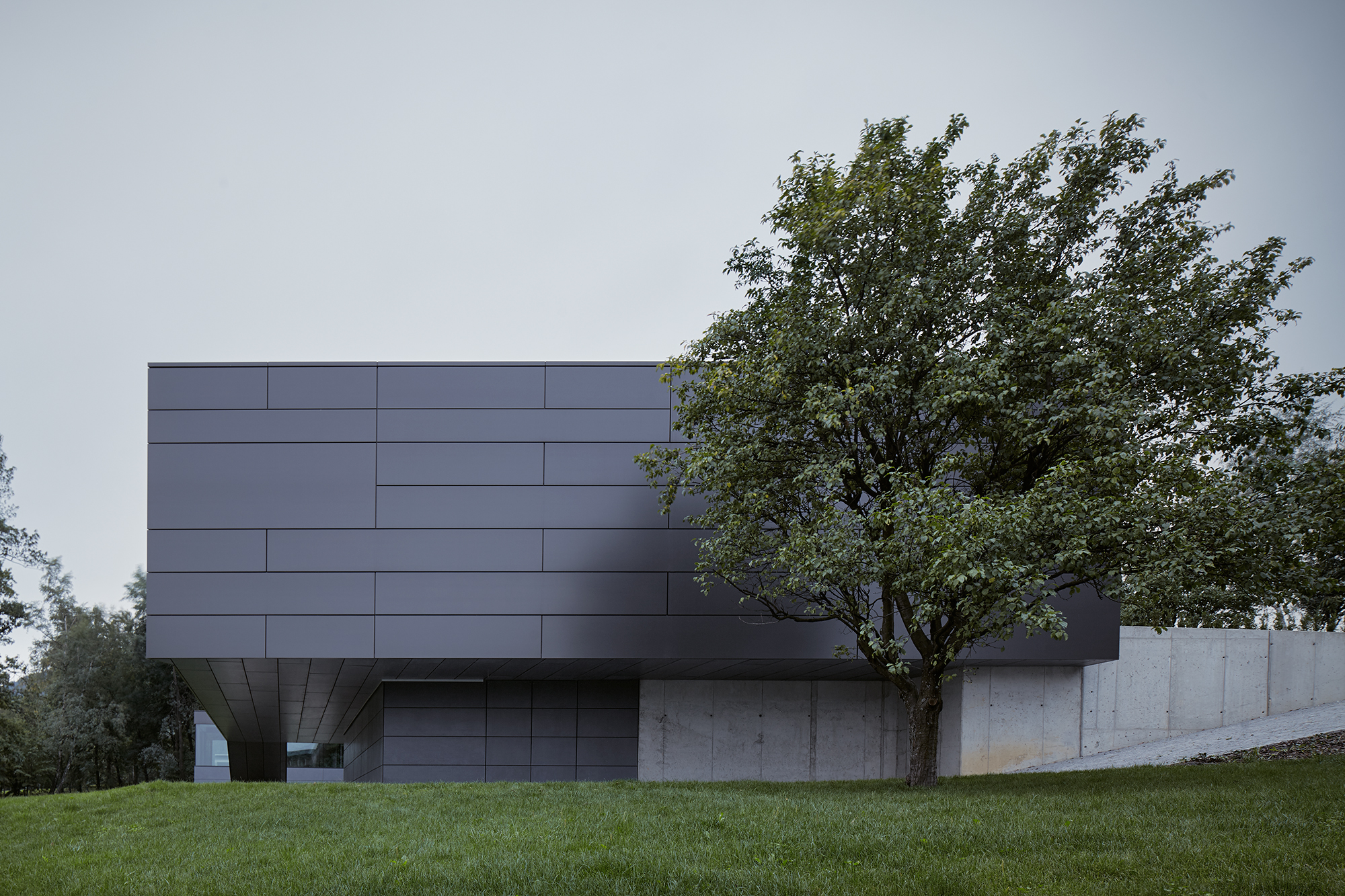 02_Letni_dum_Celadna_CMC_architects_BoysPlayNice.jpg