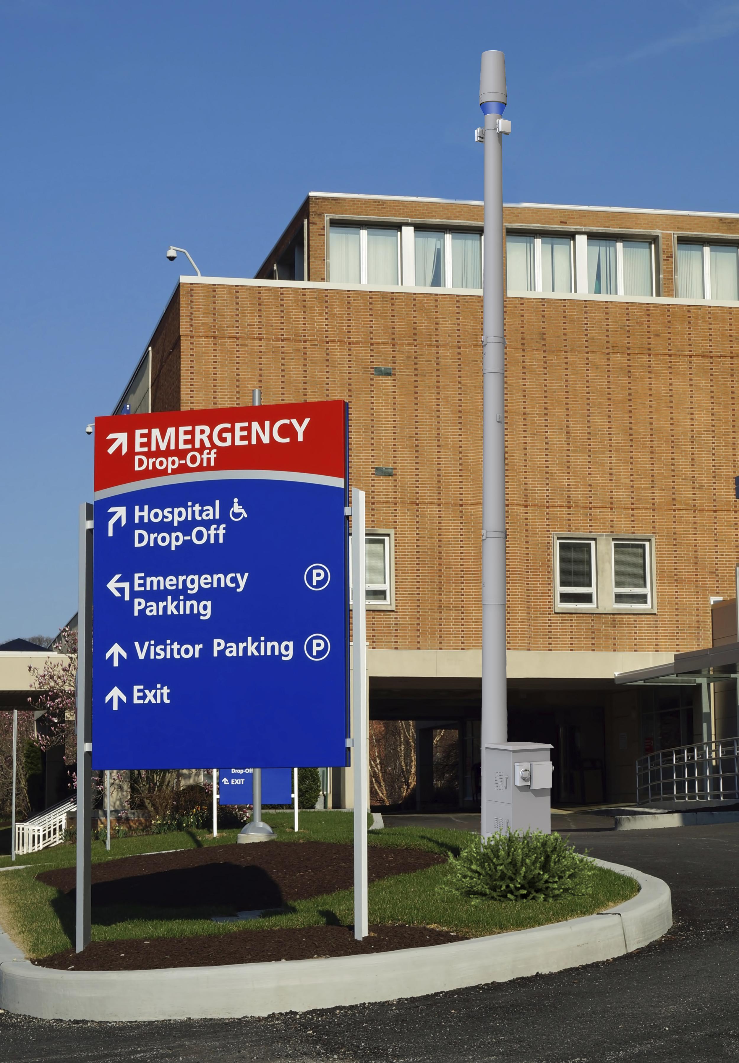 Hospital_ePole_W:O Light.jpg