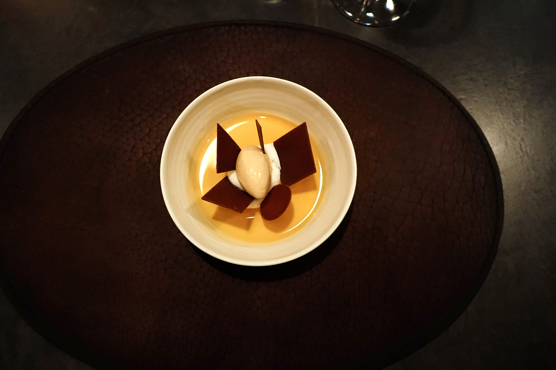 Yogurt with marshmellows, brown butter