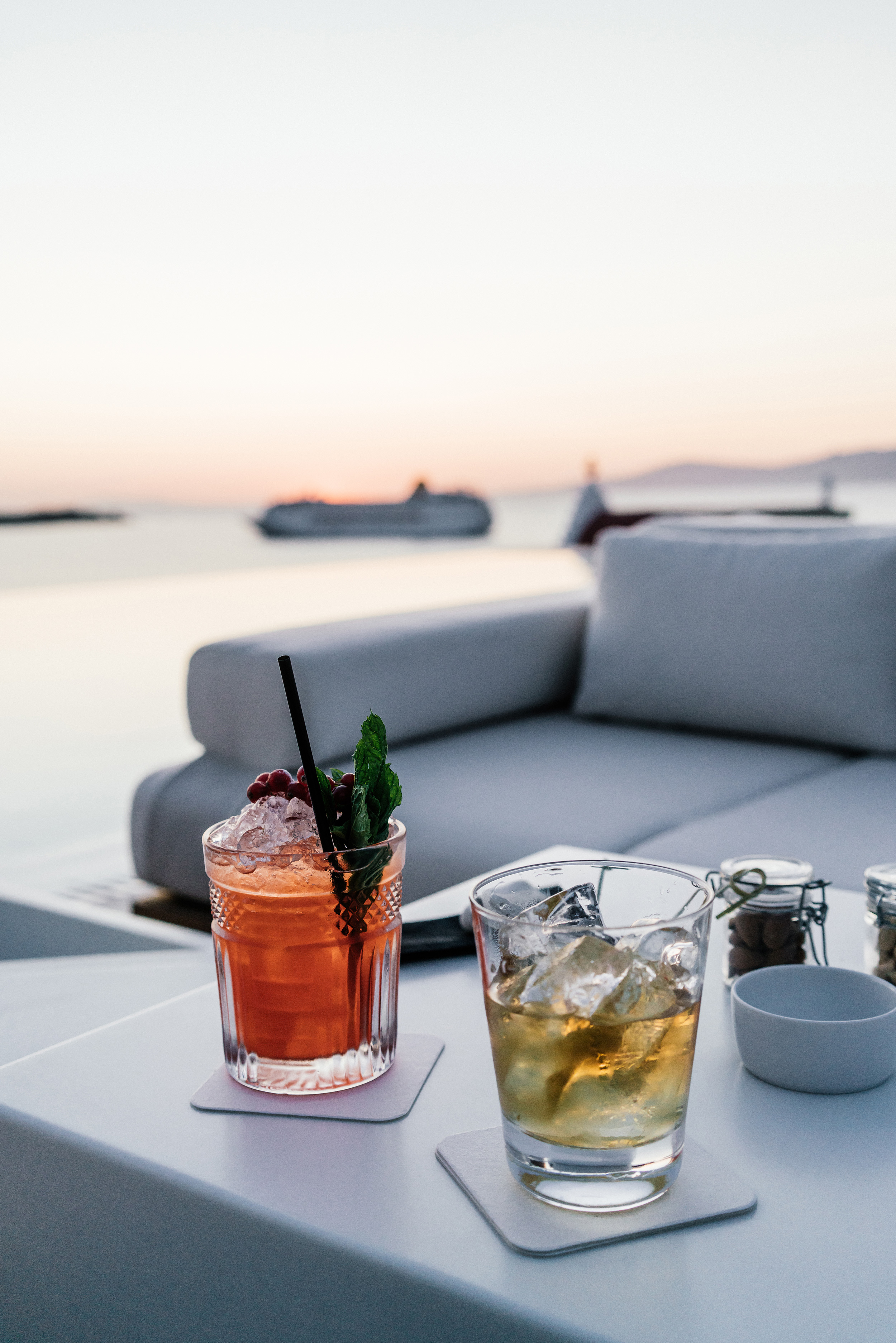 Bill & Coo Suites and Lounge  for a drink and to watch the sunset