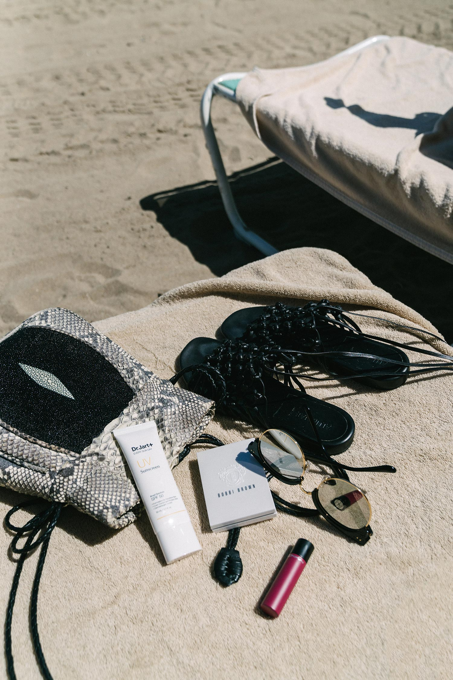 Alumnae Sandals ,  Khirma New York Bag ,  Dr. Jart+ Sunscreen ,  Bobbi Brown Palette ,  MAC Lipstick ,  Gentle Monster Sunglasses ,