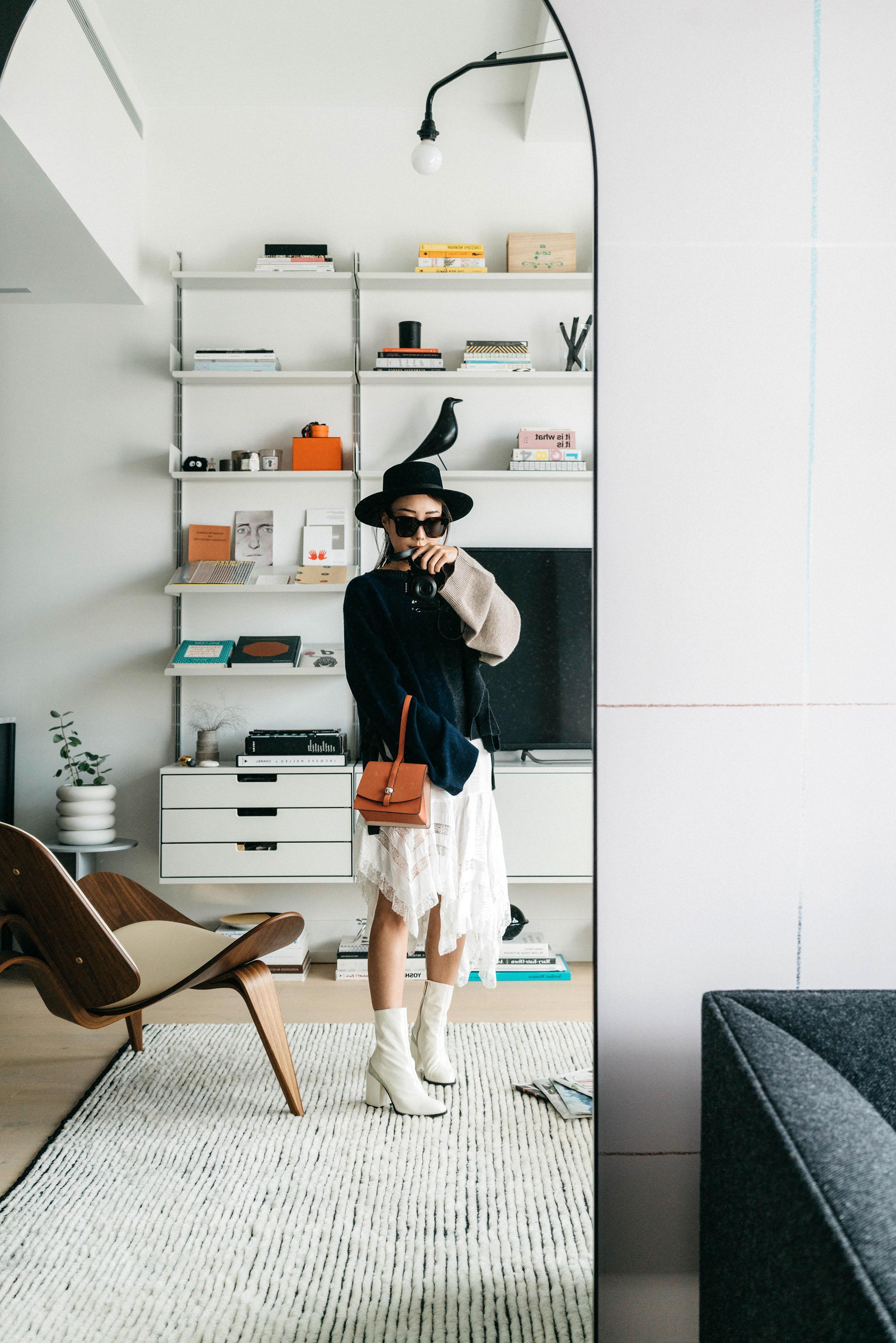 Yune Ho Sweater , Philosophy di Lorenzo Skirt,  Moynat Bag ,  Dear Frances Shoes ,  Janessa Leone Hat