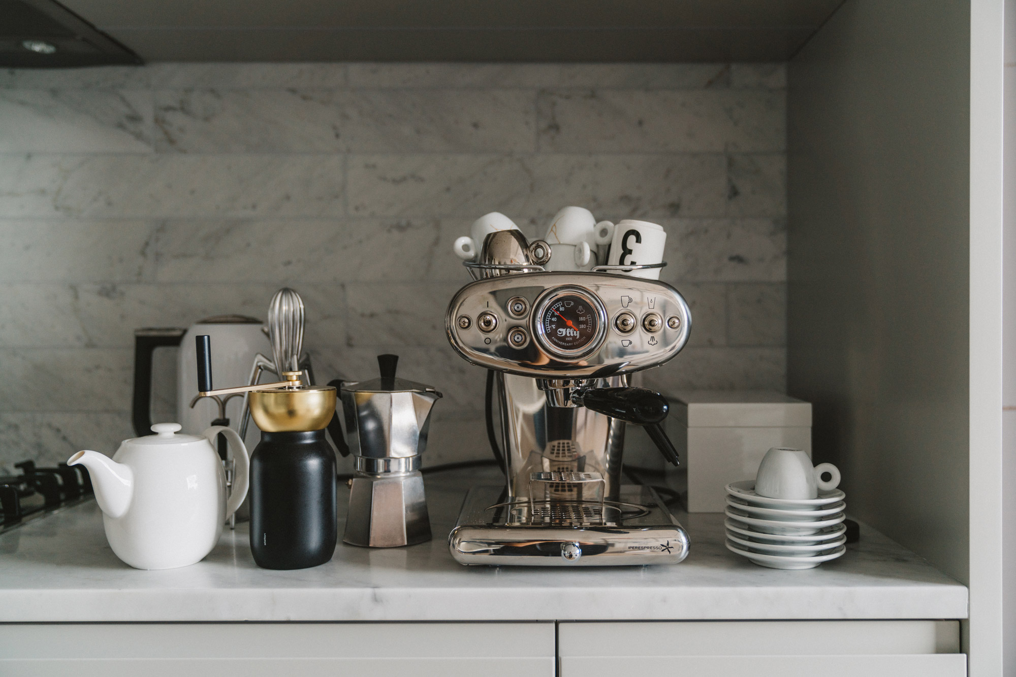 Muji Teapot ,  Stelton Coffee Grinder ,  Moka Pot ,  illy X1 Espresso Machine ,  illy Coffee Cups