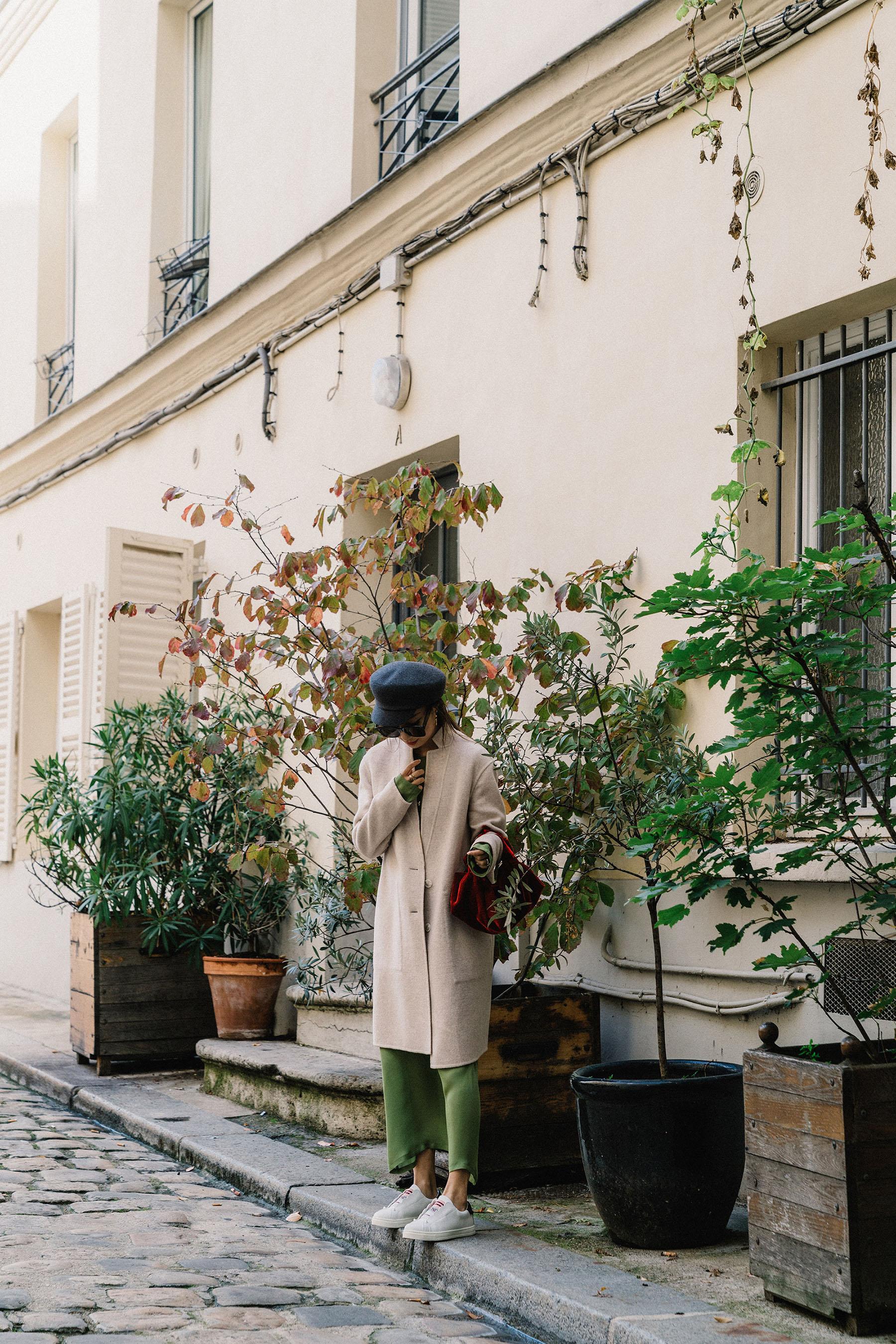 Theory Jacket, Yune Ho Dress,  Fendi Sneakers ,  The Row Bag , Hermes Hat, Céline Sunglasses