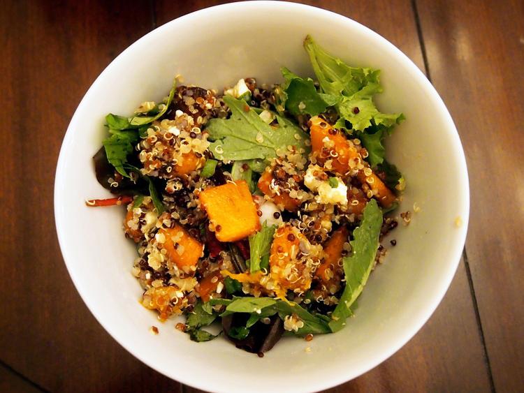 quinoa-mixed-green-salad