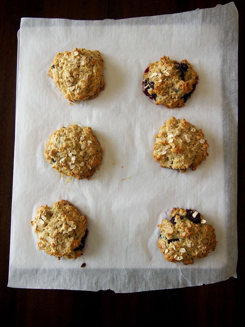blackberry-oatmeal-scones