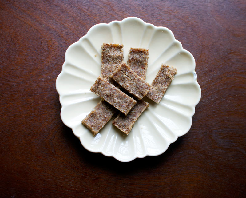 lemon-coconut-lara-bars
