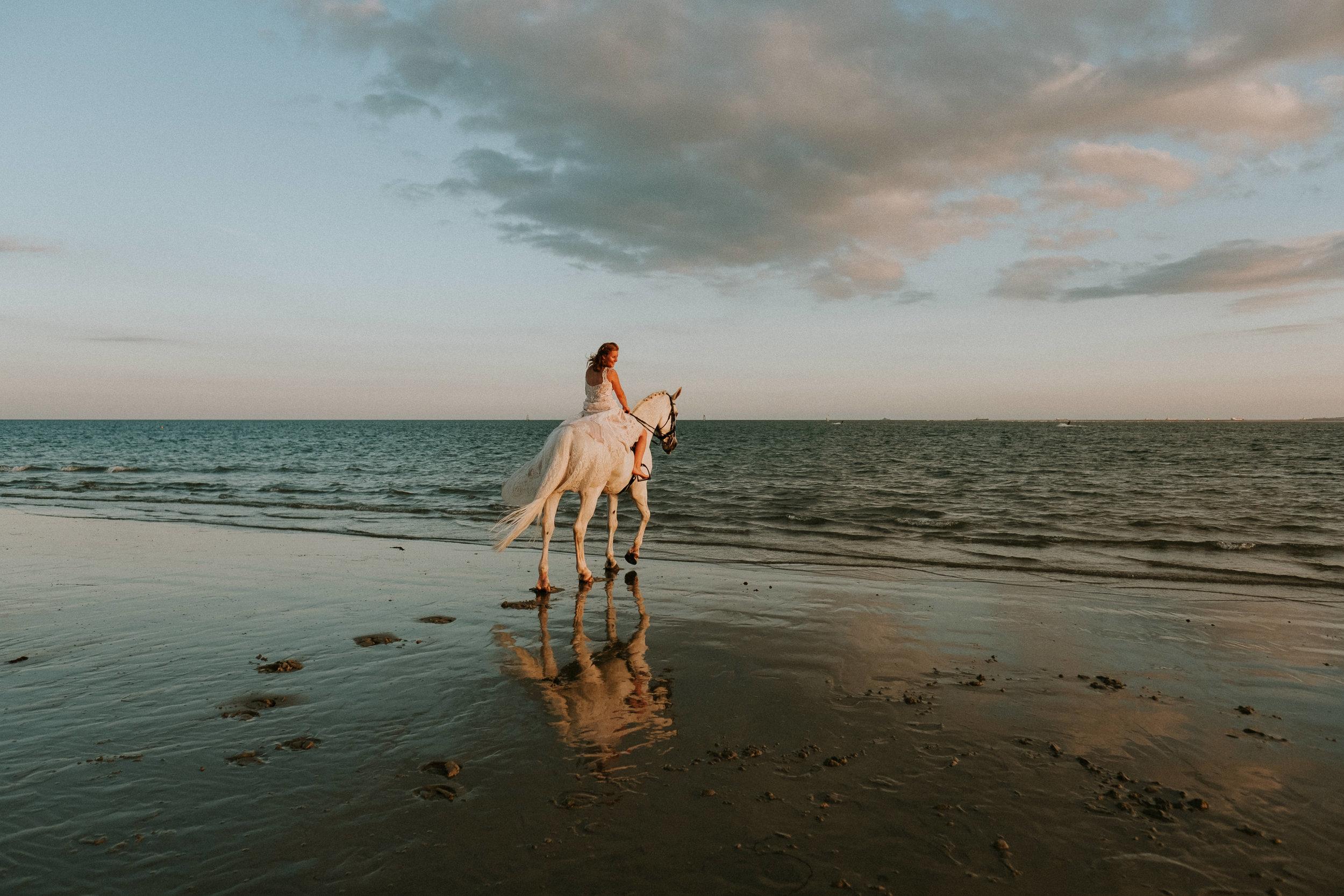 39 Trash the dress horse shoot hayling island joanna nicole Photography3.jpg