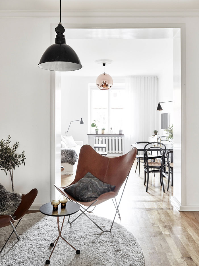 Refined-and-stylish-gothenburg-apartment-02.jpg