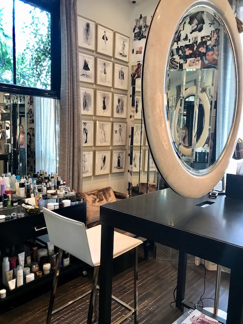 - A professional makeup application session can be scheduled.