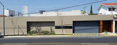 - Striking contemporary home in Guadalajara