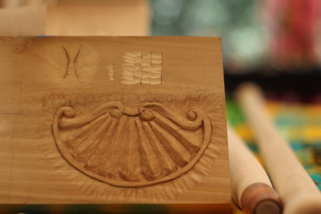David of course did the grapes and leaves but for his second project worked on a carving sampler with letter carving, shell, and texture samples.