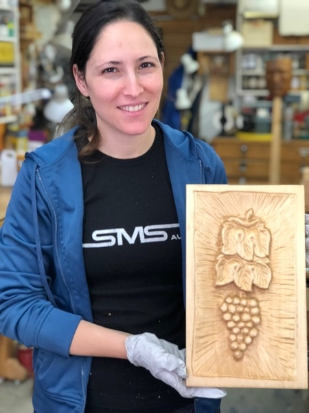 Viviana finished her Grapes and Leaves in just 3 sessions. What a lovely job she did carving them.