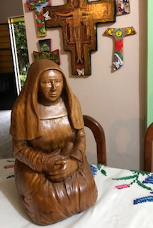 Lorraine's sculpture has finally arrived to it's home in Mexico. She has had quite a journey. Mother Magdalen was scheduled to arrive in Palenque on Christmas eve in a special handmade crate. For some unknown reason, Lorraine never found out why, she was turned back at the US Mexico Border. UPS brought her back to Redwood City and just Thursday she finally made it to her destination. She went by air in wrapped and in asuitcase of one of the Sisters that was going there. What a wild ride she had.