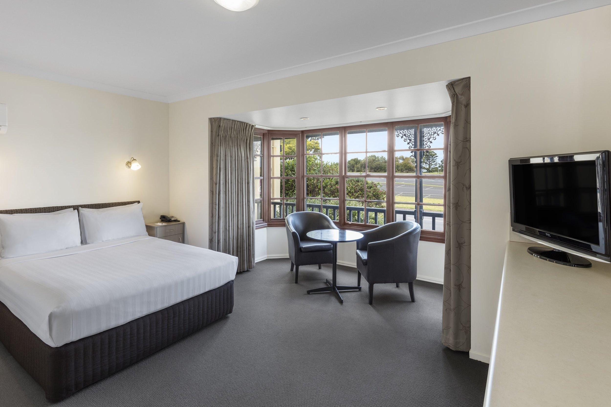 best-western-olde-maritime-warrnambool-hotel-accommodation-premium-queen-4.jpg