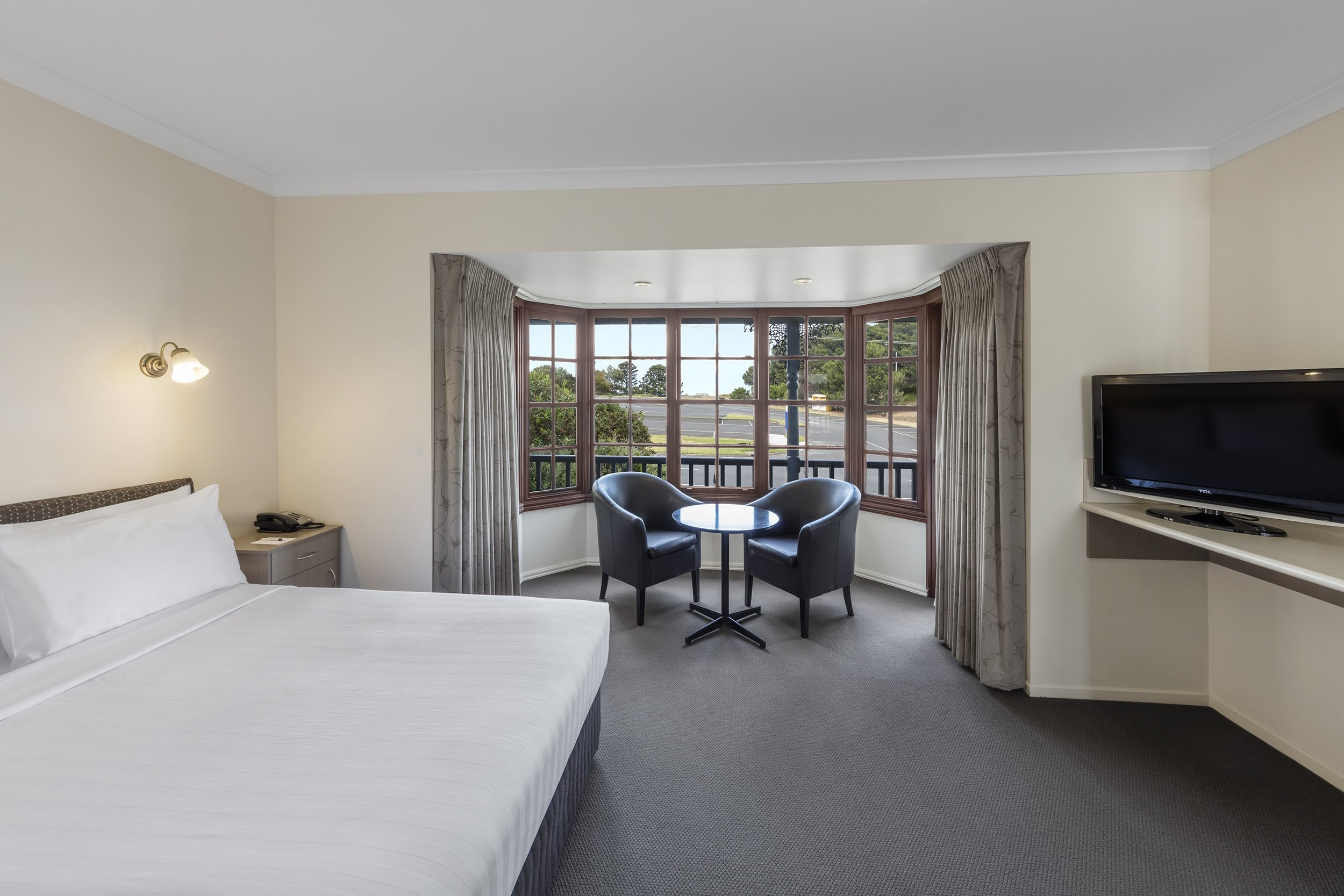 best-western-olde-maritime-warrnambool-hotel-accommodation-premium-queen-5.jpg