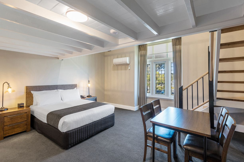 best-western-olde-maritime-warrnambool-hotel-motel-accommodation-lmezzanine-room1.jpg