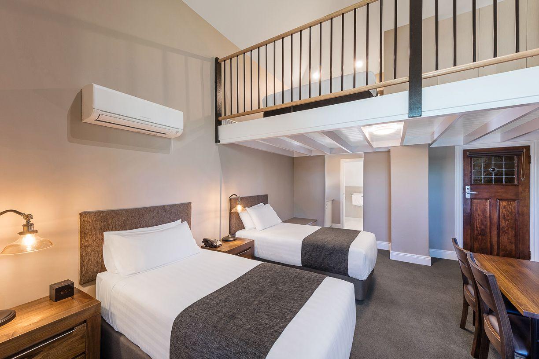 best-western-olde-maritime-warrnambool-hotel-motel-accommodation-luxury-heritage-mezzanine-room5.jpg