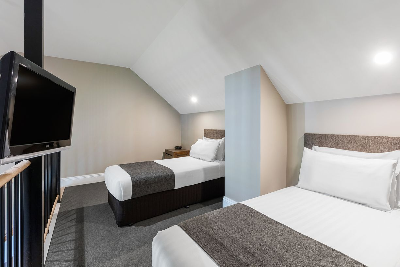 best-western-olde-maritime-warrnambool-hotel-motel-accommodation-luxury-heritage-family-mezzanine-room.jpg