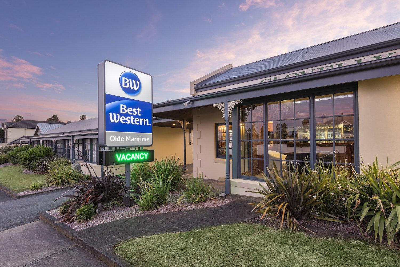 best-western-olde-maritime-warrnambool-hotel-motel-accommodation-sign