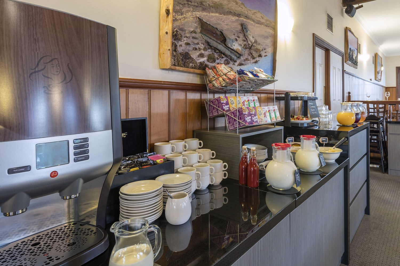 best-western-olde-maritime-warrnambool-hotel-accommodation-clovelly-restaurant-2.jpg