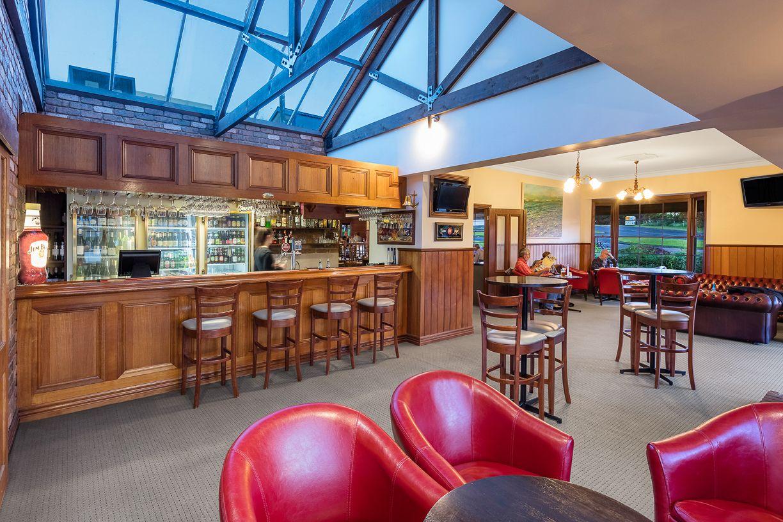 clovelly-restaurant-warrnambool-best-western-olde-maritime-bar-dining.jpg